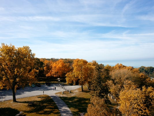 636408144697728798-High-Cliff-State-Park-in-fall.jpg