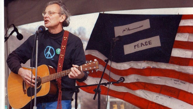 Cecil Bothwell at a 2006 Asheville peace rally