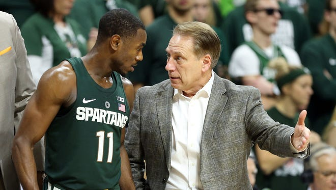 Michigan State coach Tom Izzo talks to point guard Tum Tum Nairn during the second half of MSU's 88-72 win over Nebraska on Feb. 23, 2017 at Breslin Center.