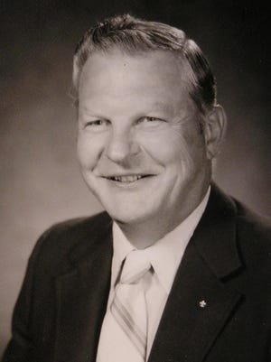 Eugene Robert (Bud) Schmidt, 88, passed away on October 31, 2014 at Poudre Valley Hospital.
