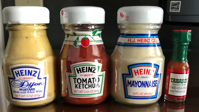 Tiny jars of condiments are perfect for a picnic, right?