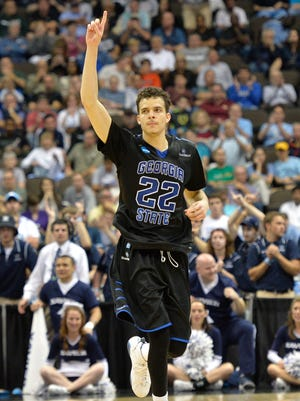 Georgia State's R.J. Hunter will give up his final year of eligibility and enter the NBA draft.
