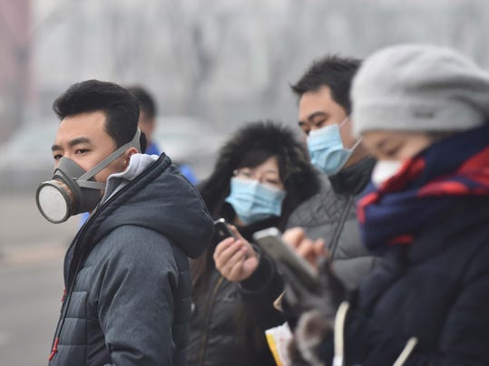On 1st day of smog controls, Beijingers adapt and debate prospect of change