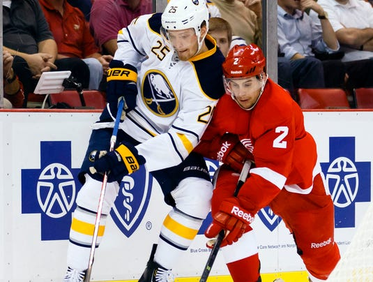 2013-10-02-red-wings-sabres