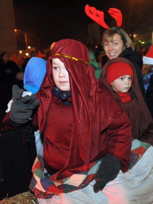 1203-holiday parade
