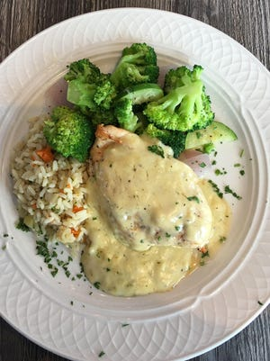 The chicken tarragon featured a fine cream sauce that wasn't terribly herby with tarragon, but did have the faintest hint of wine and maybe a little fall spice. If that was a mistake, keep it because it was delicious.