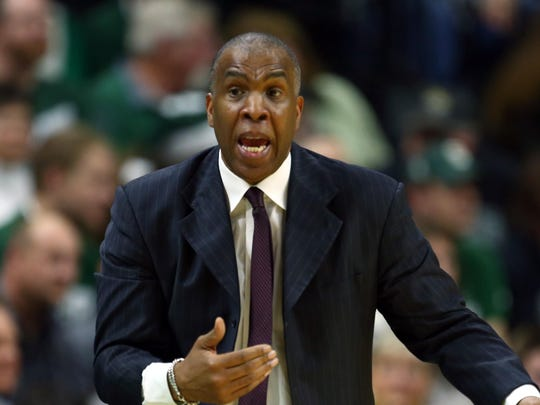 Texas Southern Tigers head coach Mike Davis reacts