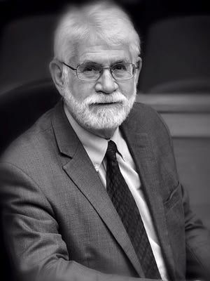 Salem City Councilman Chuck Bennett announced his 2016 bid for mayoral office.