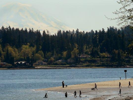 Shoreline-Beach-Walking-01.JPG