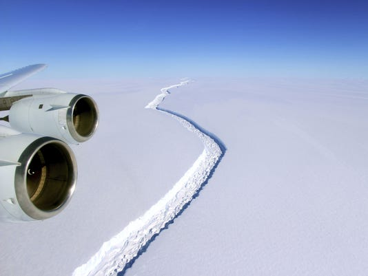AP ANTARCTICA ICE SHELF CRACK A ATA