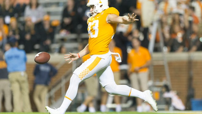 Tennessee punter Trevor Daniel (93) kicks during an game between Tennessee and Southern Miss at Neyland Stadium in Knoxville, Tennessee, on Saturday, Nov. 4, 2017.