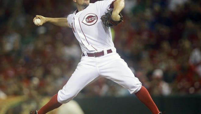 Cincinnati Reds starting pitcher Mike Leake throws against the Atlanta Braves.