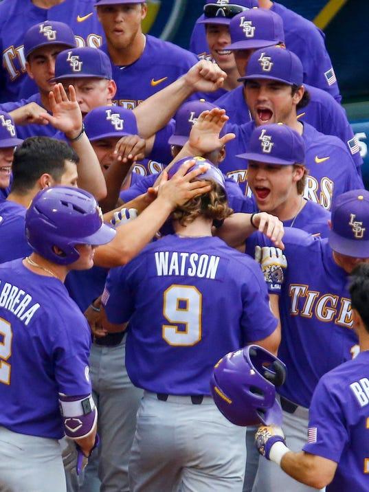 SEC_LSU_Arkansas_Baseball_58356.jpg