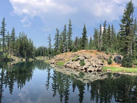 636681739029114602-SistersMirrorLakes---Lanecelot-Lake-panorama.jpg