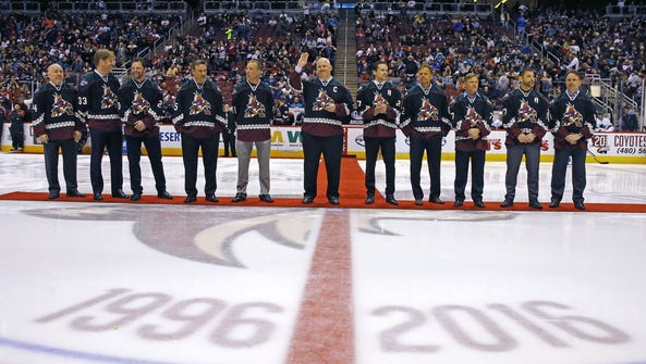 Former Arizona Coyotes are honored during their 20th