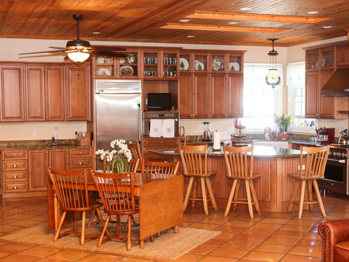 floating cabinets kitchen gallery home of the week kitchen ideas 3773