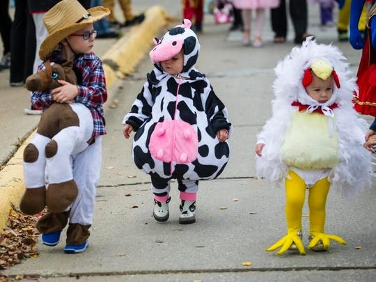 The Carlisle Chamber of Commerce hosted its Carlisle Pumpkinfest Oct. 31. The event included a costume parade, vendors and activities. Parade participants came as cowboys, cows, chickens and more.