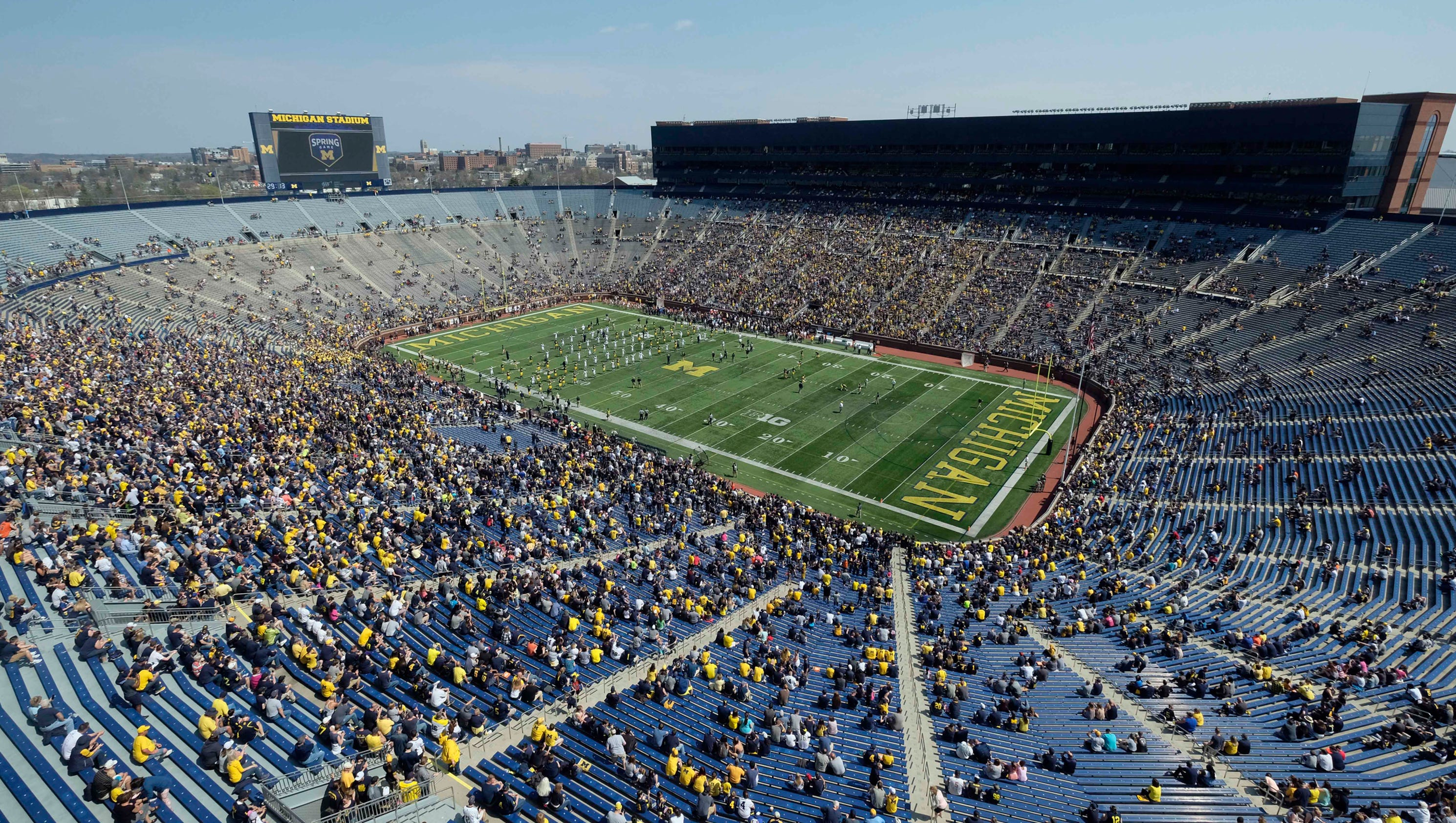 U-M athletics projects $2 million surplus in 2018