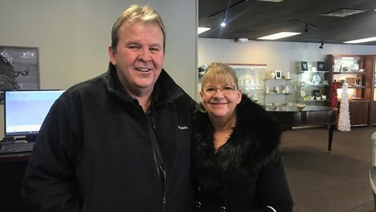 Greg Setterington bought his fiance, Cozette Groot, a custom-made diamond necklace, then found out that necklace was free.
