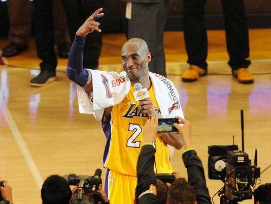 5cb094955110 2016-04-13 Kobe farewell2. Kobe Bryant addresses the crowd after his final  ...