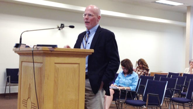 Steve Kopelman, executive director of New Mexico Association of Counties, discusses detention center challenges on Thursday with the Grant County Board of County Commissioners in Silver City.
