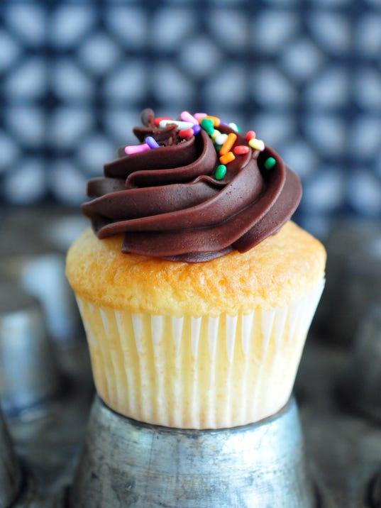 636561854690485071-Find-something-tasty-Hey-Hey-Cupcake-3-.JPG