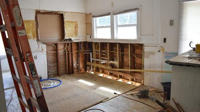 If you decide to tackle a remodeling project yourself, avoid these common mistakes to save yourself time and money.