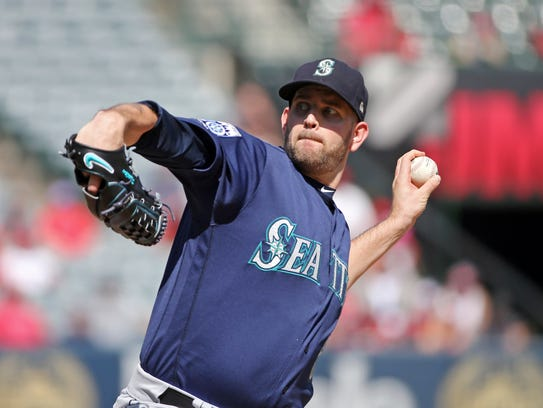 Seattle Mariners starter James Paxton pitches to the