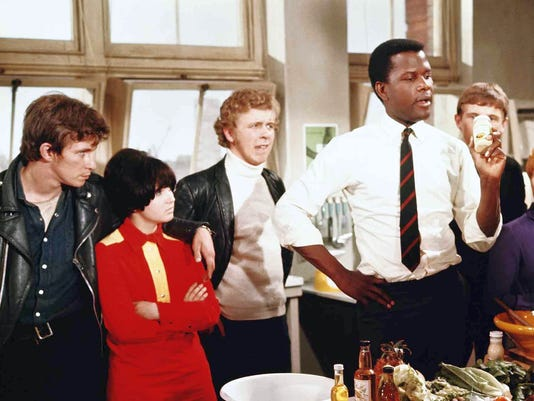 636323652132893922-4.-Sidney-Poitier-gives-class-a-cooking-lesson-in-To-Sir-with-Love.-Christian-Roberts-far-left-Lulu-far-right---publicity-still-Columbia-Pictures.jpg