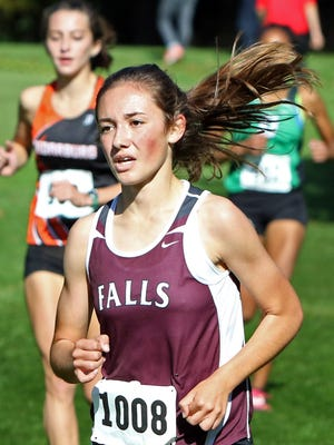 Menomonee Falls' Kylee Wunschel led the Indians' girls cross country team to the WIAA state meet in 2016, their first appearance as a team in 20 years.