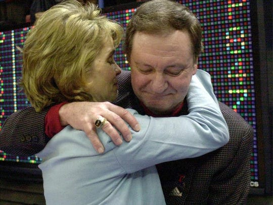 Baylor head coach and former Lady Techsters associate head coach Kim Mulkey hugs legendary head coach Leon Barmore after the team beat Vanderbilt in 2000.