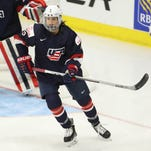 USA women's hockey greeted like heroes for taking principled stand