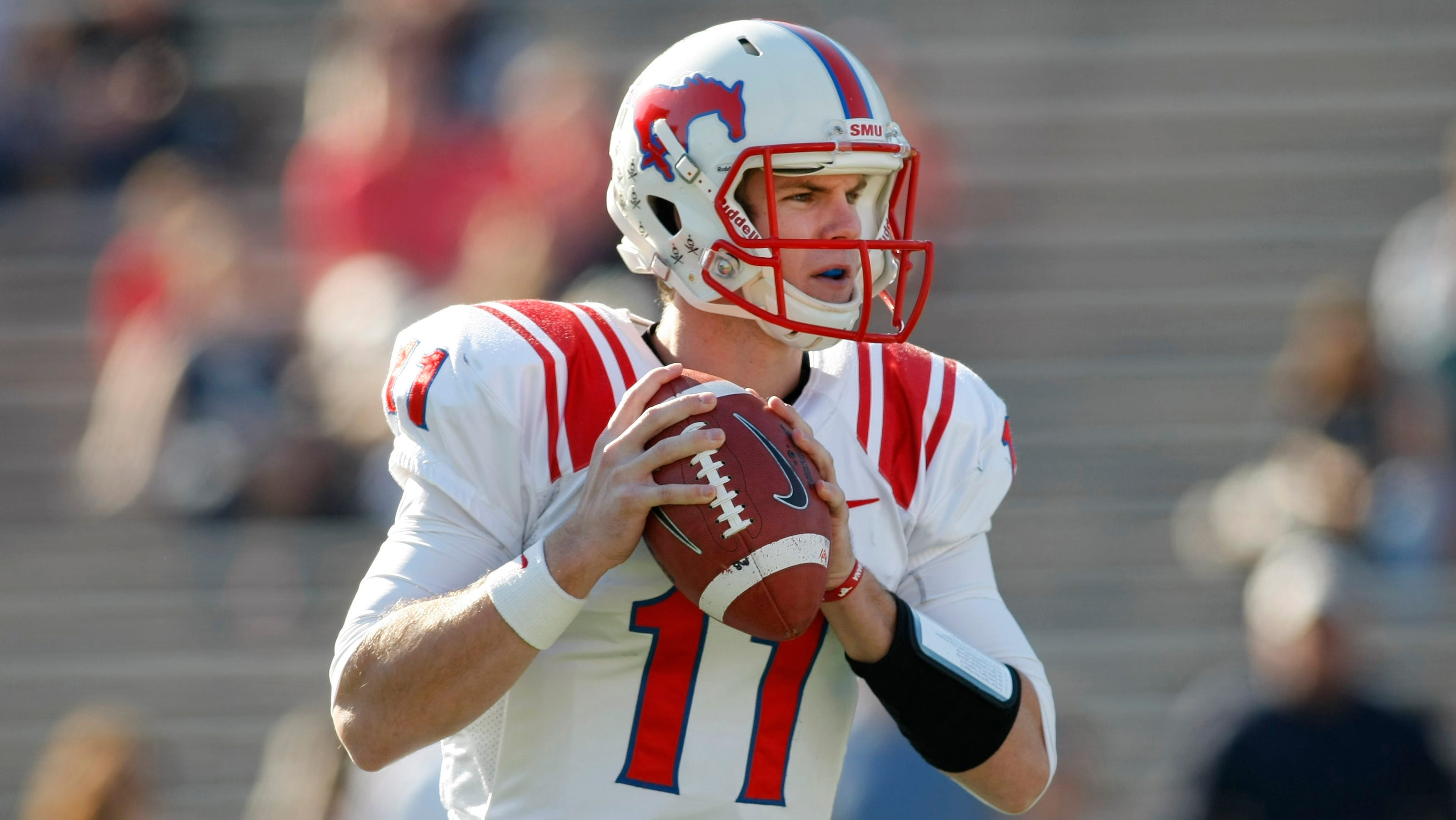 Qb Garrett Gilbert Hoping For Nfl Shot Despite Texas Struggles