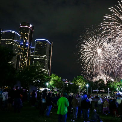 Monday's 24-minute show featuring 10,000-plus fireworks