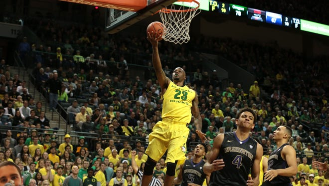 Feb 28, 2016; Eugene, OR, USA; Oregon Ducks forward Elgin Cook (23) shoots the ball in the second half against the Washington Huskies at Matthew Knight Arena. Mandatory Credit: Scott Olmos-USA TODAY Sports