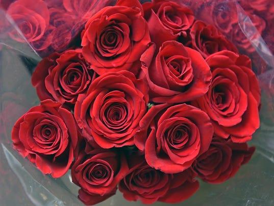 635908078002163995-Vineland-firefighters-selling-roses-2.jpg