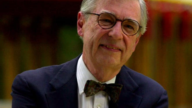 Tweet Storm Tells The Most Amazing Story About Mr Rogers