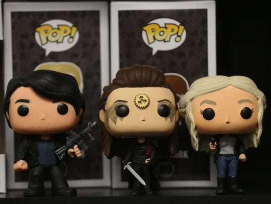 Pops customized to look like Bellamy, Lexa and Clarke