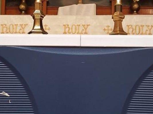 636390208790696052-rodkey-cooler-altar