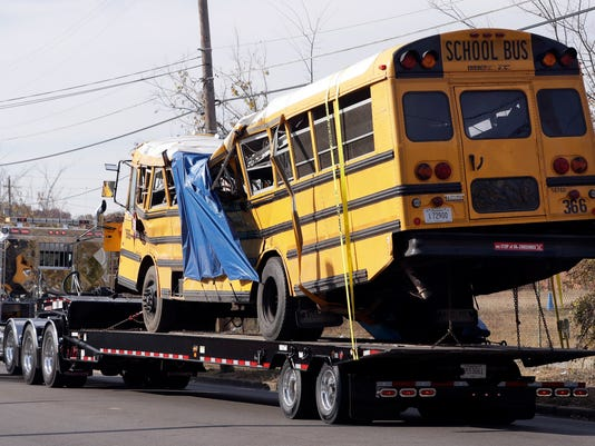 636157547419367620-School-Bus-Crash-Tenn-Keom.jpg