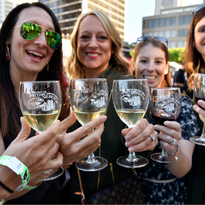 How to Plan the Ultimate Girls' Trip During the Kentucky Derby Festival
