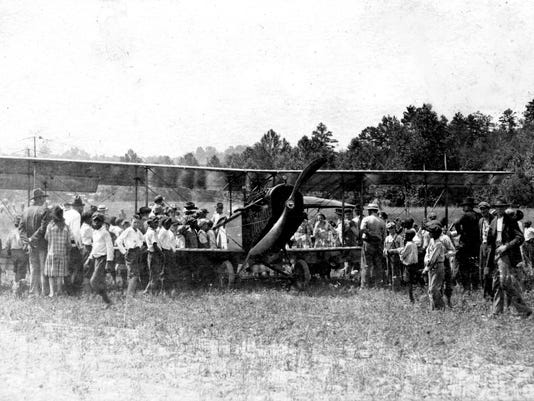 Henry Westall plane in Morganton July 4 1919.jpg