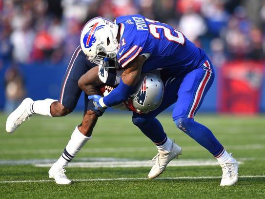 New England Patriots wide receiver Brandin Cooks, left,