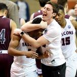 Photos: 2017 NCAA Men's Elite Eight semifinals