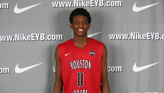 5-star 2016 guard De'Aaron Fox has become a priority for Louisville.