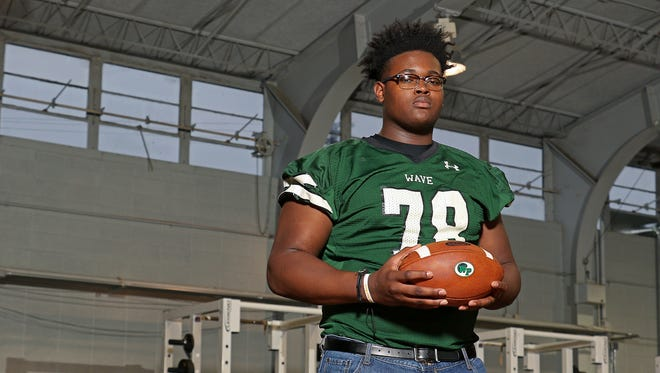 Four-star offensive tackle Scott Lashley committed to Alabama on Tuesday. He is the second player to commit to the Crimson Tide from Mississippi since Monday.