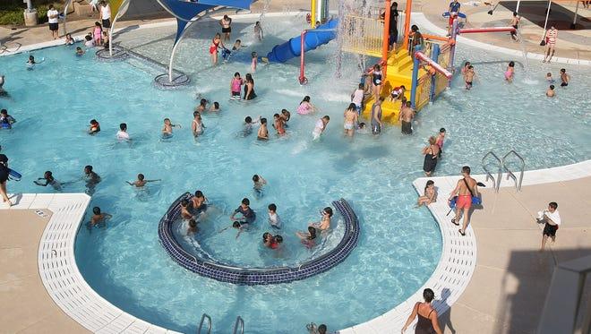 Rose Lane Aquatics Center in Glendale has many features.