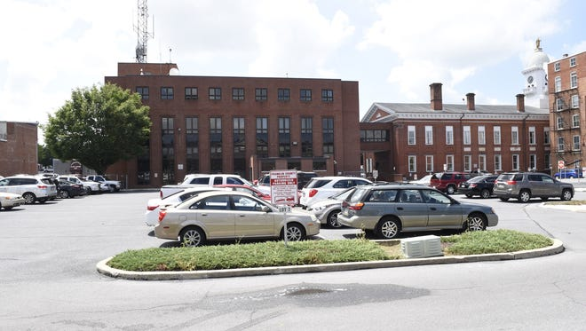 A courthouse employee allegedly saw Rashel Bumbaugh use heroin in the parking lot of Franklin County Courthouse, pictured here.
