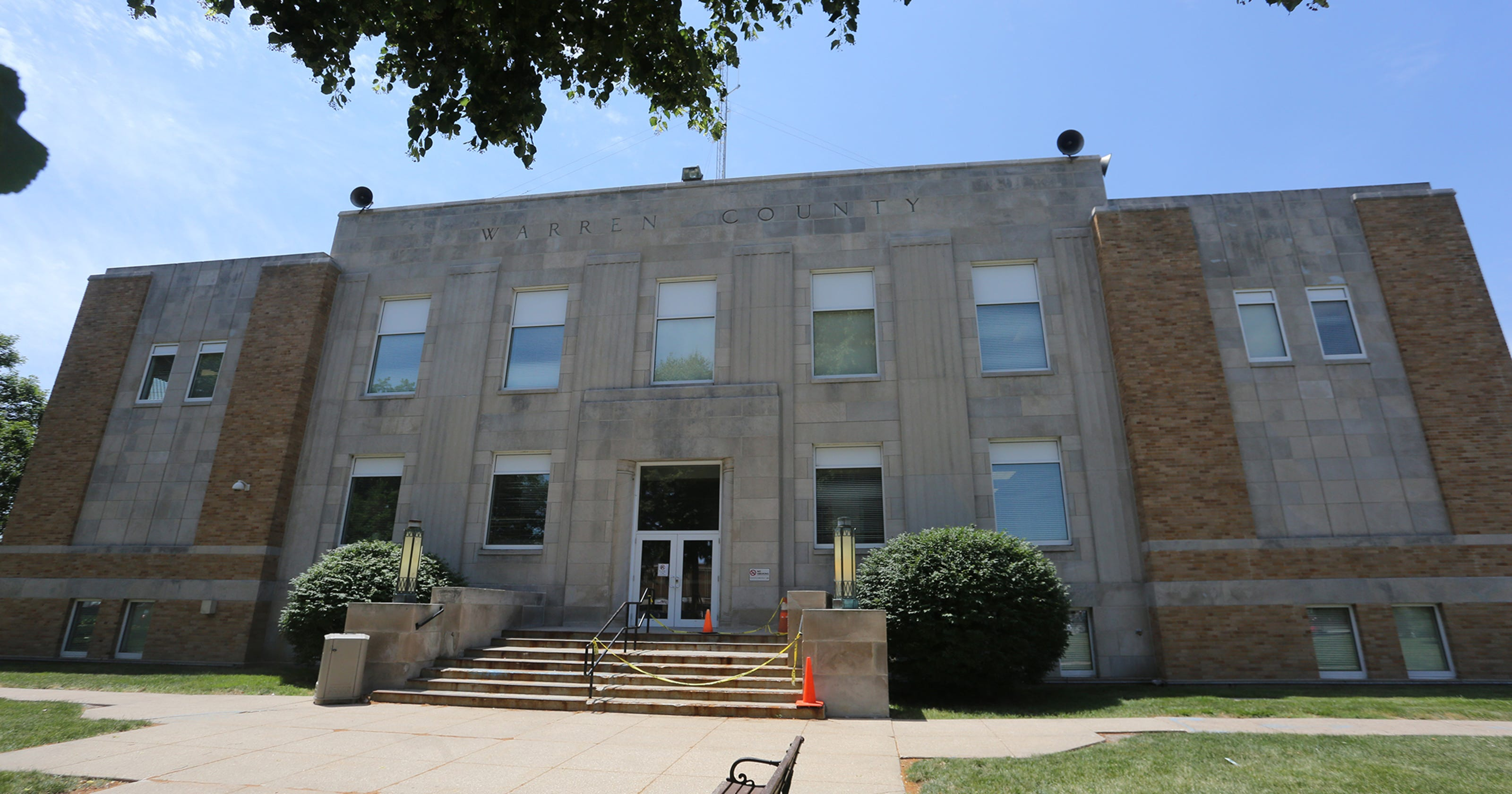 Does Iowa need courthouses in all 99 counties?