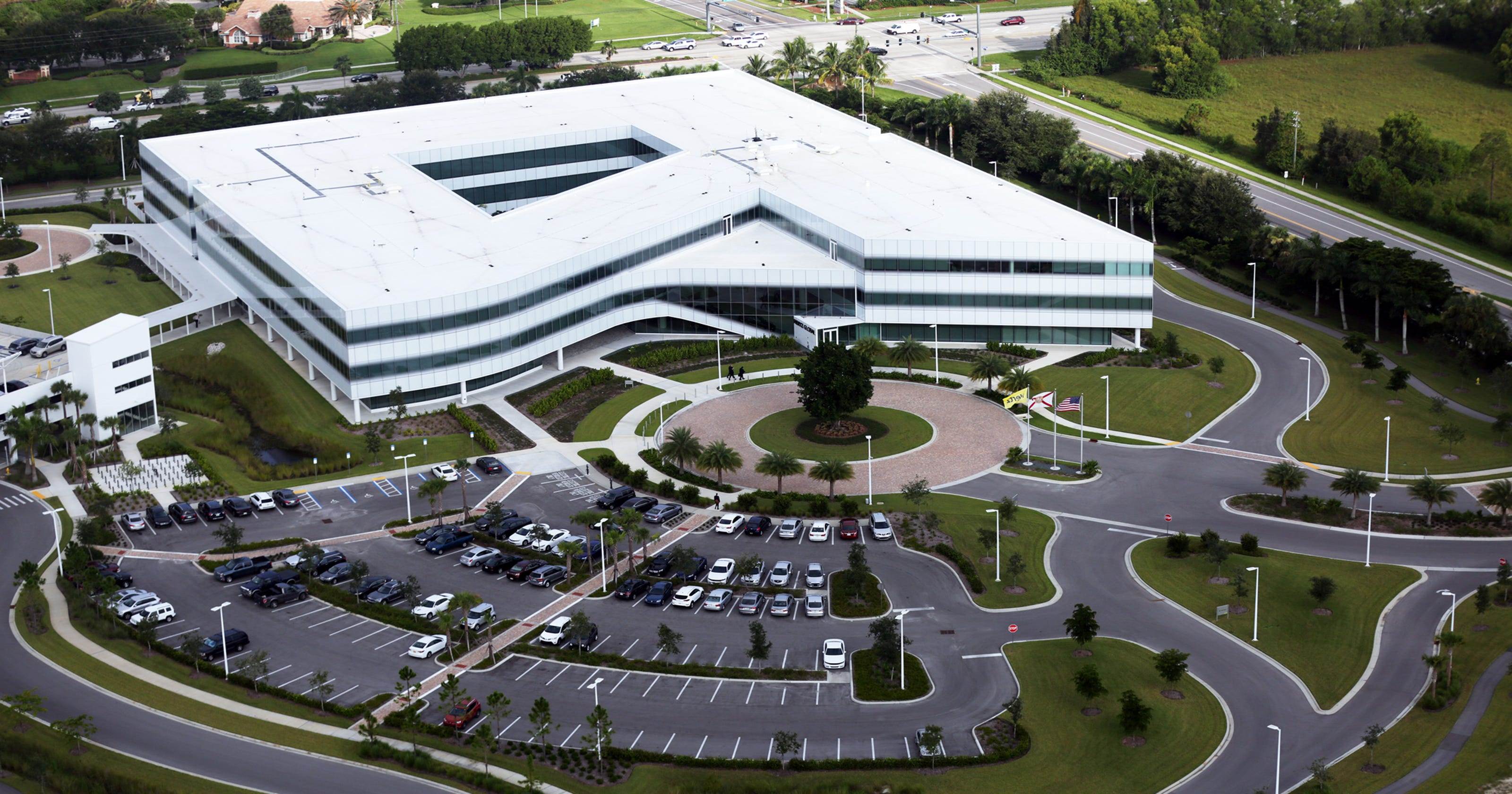 Hertz reports 24 layoffs, including 19 at headquarters in Estero